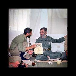 شهید کاظمی در کنار رهبر