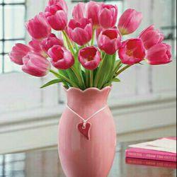 تقدیم ب دوستای گل، اگر چه نمیشناسمتون ولی با روح بزرگتون آشنا هستم و از مطالبتون لذت میبرم. شاد و سلامت باشید