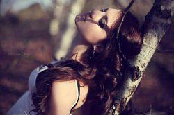 ما فکر میکنیم بدترین درد از دست دادن کسیه که دوستش داریم ! اما ...حقیقت اینه که: از دست دادن خودمون و یا از یاد بردن اینکه کی هستیم! و چقدر ارزش داریم ... گاهی وقتها خیلی دردناک تره...!!