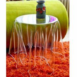میز معلق ایده این میز جادویی از کافه هایی که میزهای آن با پارچه سفید پوشیده شده است، گرفته شده و راز شناور بودن آن به رویه پلاستیکی سخت و در عین حال شفاف آن برمیگردد، پلاستیکی که کار پایه میز را نیز انجام میدهد. طراحی شده با: Essey Appear