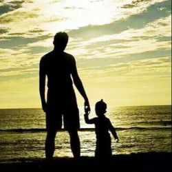 خداوندا زیباترین لحظه ها را نصیب پدرم کن که زیباترین لحظه هایش را به خاطر من از دست داده است