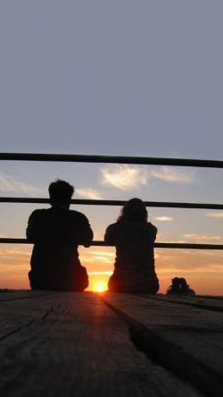 """گاهی سکوت...  یعنی اما...یعنی اگر...  یعنی هزار و یک دلیل که""""دل"""" میترسد بلند بگوید.."""