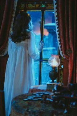 سـکوت میکنی ... سـکوت میکنم ... نـگاه میکنی ... نـگاه میکنم ... لبـخند میزنی ... و مـن ؛  آه ... شعـر را فرامـوش کن ...! پیشانی ات را بوسـه باران میکنم ...!!  مامانی دوستت دارم و برای سلامتی ات دعا میکنم  دعا میکنم دعا میکنم .....................!!