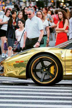 اینم از اتومبیل فراری ک از طلا ساخته شده !!!!!!!!!!!