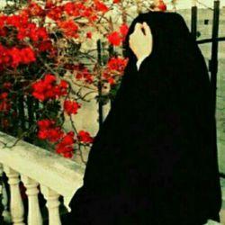 آسمان!مثل تو امشب دل من بارانیست! آنکه باید بنشیند بغلم،اینجا نیست آنکه یک عمر پریشان نگاهش کردم آنکه معشوقه ما بود دگر با ما نیست اگر از گریه ودرد بی کسی می پرسی روزگاری ست که در وجود ما زندانیست من که مجنون تو هستم به خدا تا به ابد وکسی جز تو برای دل من لیلا نیست