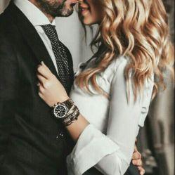 لحظه ی شیرینی که به تو دل بستم  از تو پرسیدم من : تو منی یا من تو ؟  و تو گفتی هر دو ، و به تو پیوستم  گفتم ای کاش پناهم باشی  همه جا و همه وقت تکیه گاهم باشی …  و تو گفتی هستم ؛ تا نفس هست کنارت هستم …