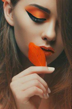 کاش دنــــــــــــیا بر عکس میشد....... آدما عاشــــــــــق نمیشدن........ عاشــــــــــقا آدم میشدن.........