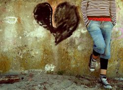 لحظه ها گذرا و خاطرات ماندگارندحاضرم تمام هستیم را بدهم تا لحظه ها ماندگار و خاطرات گذرا شوند....