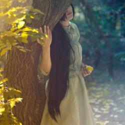 من همان دخترک غم زده ی دیروزم من همان کودک بی تاب برای بودن که دلش رادراندوه به زنجیرکشید وبه اندازه ی دل رنج کشید و به اندازه ی بی معرفتی دردکشید