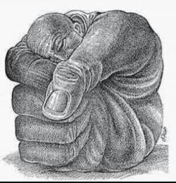 بزرگی روحت را میان دست هایت پنهان کن !!!! که بزرگ بودن میان مردم کوچک سخت است!!!!