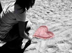 کتاب عشق است.ساده ترین درس زندگی آن است : هرگز کسی را میازار . محبت خرجی ندارد ، در حالی که همه چیز را خریداری میکند . خوشبخت کسی است که خدا دلی پر عشق به او ارزانی کرده است وقتی قدرت عشق غلبه کند بر عشق به قدرت ، اون وقته که دنیا طعم صلح رو میچشه ، بهتر اینه که غرورت رو به خاطر عشقت فراموش کنی تا عشقت رو به خاطر غرورت.