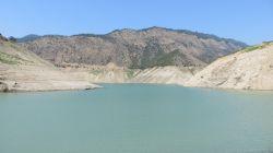نزدیک دریاچه