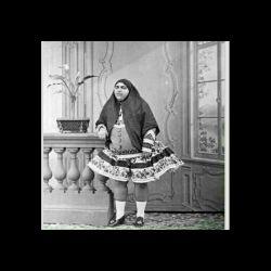 دختر خوشكل ناصر الدین شاه كه بیش از 2000 خاستگاره داشت