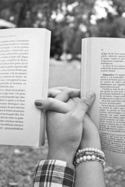 کی میشود با هم به سرمستــی بخوانیـــم ؟  یک نیمه من ، یک نیمه تو ، از یک ترانـه ...      آرش شفاعی