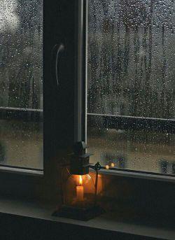 من بسیار گریسته ام.. ،   هنگام كه آسمان ابری است ..  مرا نیت آن است ،  كه از خانه .. بدون چتر بیرون باشم .. . من بسیار زیسته ام .. ، اما اكنون مراد من است ..  كه از این پنجره برای باری ،  جهان را .. آغشته به شكوفه های گیلاس .. بی هراس ، بی محابا .. ببینم .. / .  | احمدرضا احمدی |