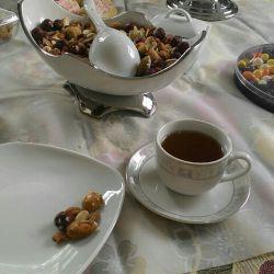آخیش,بالاخره,بعد از اون همه خستگی,اجازه یافتیم,چای بنوشیم وعکس سفره را بیاوریم,خدمتتون !!