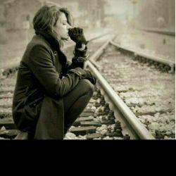 دودمانم به باد رفت اما هیچ کس جز خودم مقصر نیست  /  مثل یک ایستگاه متروکم، حسرتم را قطار می فهمد -__-