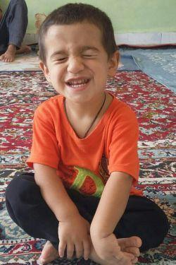محمد حسین هستش.  خواهر زادمه شیطون.