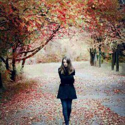 کجایی...! تو که نیستی همه می خواهند جای تو را پر کنند...! بیا...! به همه بگو...! تو تکرار شدنی نیستی...! جای تو جز با خودت پر نمیشود...