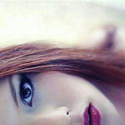 گذشته ها  روزهای تکراری ، گذشت آن لحظه های بیقراری گذشت آن شبهای پر از گریه و زاری کمی دلم آرامتر شده فراموشت نکرده ام ، مدتی قلبم از غمها رها شده شب های تیره و تار من مدتی بیش نیست که میگذرد از آن روز پر از غم به یاد می آورم حرفهایت را باز هم گذشته ها میسوزاند این دل تنهایم را