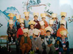 کودکستان (ردیف وسط لباس زرد منم)
