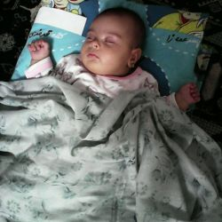 دختر خواهرم زینب سادات در حالت خواب