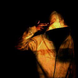 و مرگ مُردن نیست:  و مرگ تنها نفس نکشیدن نیست!  من مرده گان بی شماری را دیده ام  که راه می رفتند؛  حرف می زدند؛  سیگار می کشیدند؛  و خیس از باران  انتظار وُ تنهایی را درک می کردند ..