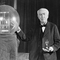 اختراع لامپ در چنین روزی توسط توماس ادیسون... #کامنت_اول