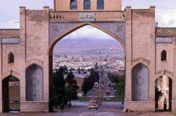 قدیمی ترین عکس از تنگ قران. (دروازه قران شیراز )