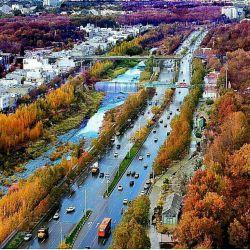 اینجا انگلستان ، آلمان ، فرانسه ، ایتالیا نیست اینجا بلوار چمران شیراز از نگاه هتل چمران در یک روز پاییزی و بارانی زیبا