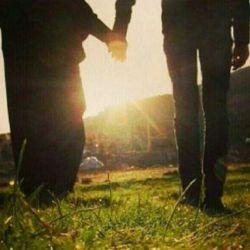 تعریف من از عشق همان بود که گفتم....در عشق کسی باش که در  عشق حسین است....
