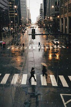 فرصت زیر یک سقف ماندن از دست رفت ... یا چتر باز نشد،یا باران بند امد