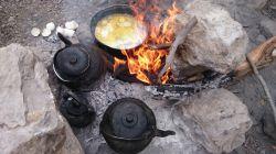 صبحانه آتیشی با نیمرو در منطقه شیوند،دهدز (تور لیدر باقری 09133675760)