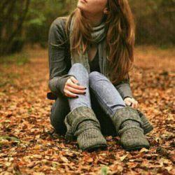 من که کاری به کار کسی نداشتم ! انتهای خیابان پاییـز نشسته بودم شعرم را مینوشتم از راه که رسیدی .. اصلا مشخص بود با قصد و غرض آمدهای ! حالا خوب شد؟ عاشقت شدم ... راحت شدی ... ؟  مریم_قهرمانلو