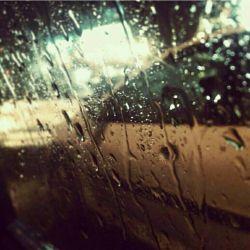 #موبایل_نوشت تو تاکسی بودم که بارون شروع شد.... حیف ک قول داده بودم بیام خو خیس شدم تو این بارون خدا شکرت،بابت این نعمتت