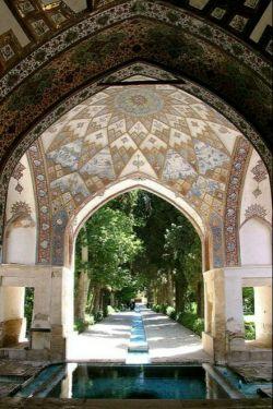 سعدى و حافظ و باغ ارم و ارگ كریم  ....همه را گشتم و چشمان تو همراهم بود ..