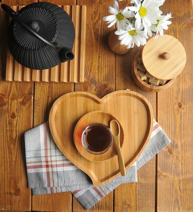 سینی قلبی برند بامبوم بسیار شیک و رمانتیک ، مدل های دیگه از این سینی رو میتونین در لینک زیر ببینین ، منتظر نظراتتون هستیم   http://www.arasstore.com/index.php?manufacturers_id=6