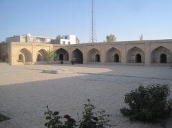 استان قزوین. آوج. محوطه داخلی کاروانسرای عباسی (در دست ترمیم)