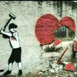 چه دنیای ساکتی! دیگر صدای قلبها غوغا نمیکند... بی گمان همه شکسته اند.....