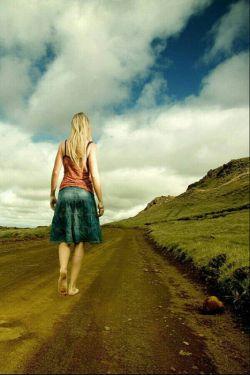 نمی دانم چه هنگام از کدامین راه   ولی یک بار دیگر باز خواهم گشت...باشین تااون روزシ