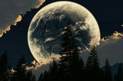 تو سکوت شب..نگاه به آسمون..دیدن چهره ی غمگین ماه..یه آه سرد..بسته شدن چشم ها..گوش دادن به صدای زمزمه ی شب..یه دل پُر درد..یه آرامش سنگین..(Safora).