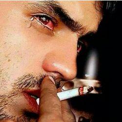 مرد گریه نمیکنه توخودش درد هاشو میریزه مرد باید درد هاشو بخوره چرا چون مرد که گریه نمیکنه