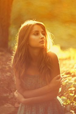 گاهی مرا یاد کن  ...  من همانم که اگر ساعتی از من بیخبر بودی؛ آسمان را به زمین میدوختی!!