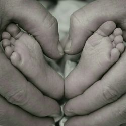 این یعنی اوج خوشبختی..یعنی لذت بردن از زندگی..یعنی عشق..یعنی دوست داشتن..یعنی خانواده..(Safora)..