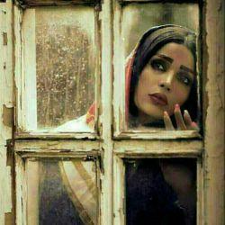 پنجره ها کلافه اند از،          سنگینی نــــگاه منتظرم!...                اگر نـــــــــــــــــــــــــــمی آیی ...                                اینقدر پنجره ها را زجـــــــــــر ندهم !                     چشم هایم بــه جهنم...!!!