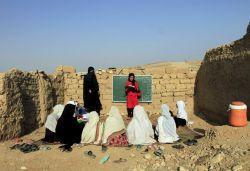 مدرسه ای در افغانستان در حال آموزش