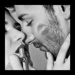""""""" عفیف بمان بانو ..."""" در را ببند و عاقلانه بیندیش ..،، هرڪه عشقت را با اندامت سنجید،، بدان اندام های دیگران هم عاشقش میڪند ... پس،، عاشقانه و عفیفانه زندگی ڪن ... ڪسی ڪه لیاقت قلب عاشقت را داشته باشد،، صداقت عشقت را با چرتڪه ی """" لذت """" نمیسنجـــــد . . ."""