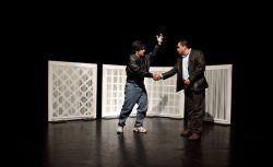 نمایی از تئاتر مخمصه