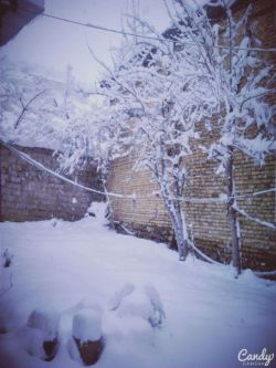 Snow is still there :) And the land is married Cause you're calm beautiful snow ..