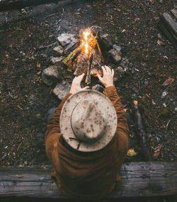 چون ز شب نیمی بشد مستان همه بی خود شدند ما بماندیم و شب و شمع و شراب و آن نگار.   از مولانا